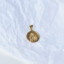 Load image into Gallery viewer, PREMIUM Medallion Pendant