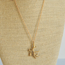 Load image into Gallery viewer, Long Antler Necklace