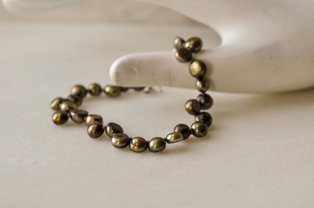 Silk Knotted Green Freshwater Button Pearl Bracelet