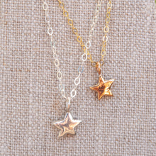 Load image into Gallery viewer, Tiny Star Necklace