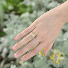 Load image into Gallery viewer, Quartz Crystal Ring - Size 6