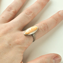 Load image into Gallery viewer, Spiney Oyster Shell Ring - Size 9