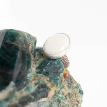 Load image into Gallery viewer, Oval White Quartz Ring - Size 6