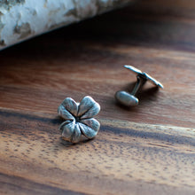 Load image into Gallery viewer, Four-Leaf Clover Cuff Links