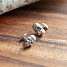 Load image into Gallery viewer, Skull Cuff Links
