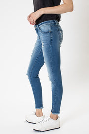 LOW RISE DISTRESSED SKINNY ANKLE DENIM JEANS by KAN CAN USA