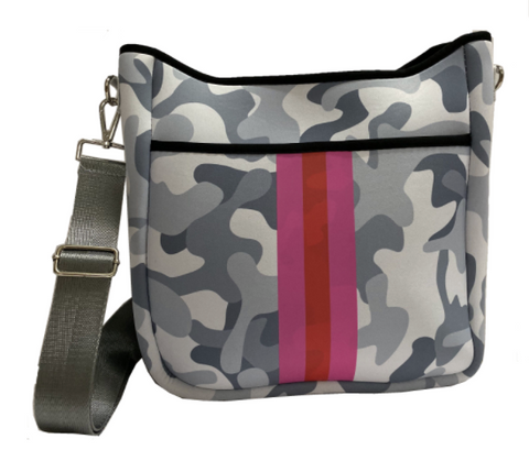 ON THE GO CROSSBODY - GREY CAMO