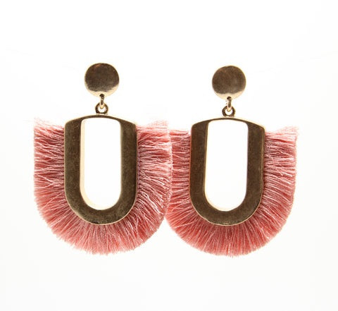U SHAPE FRINGE EARRINGS - PINK