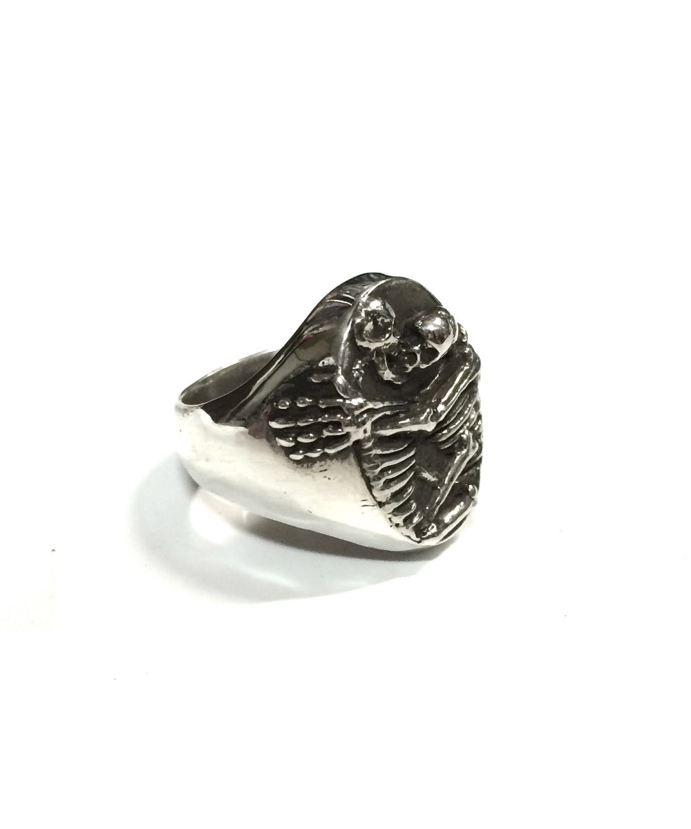 KIssing Skeletons Ring