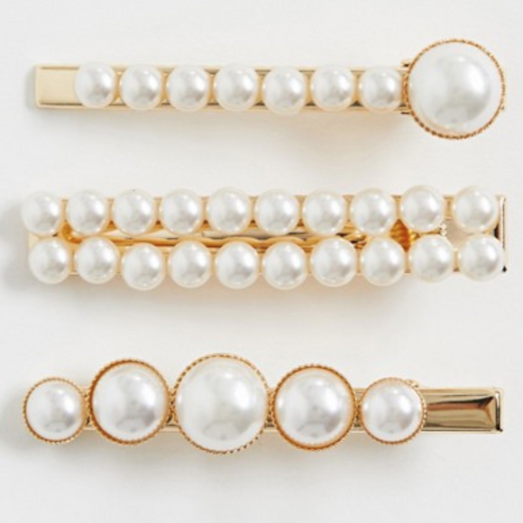 Gold Tone Pearl Hairclips