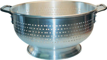 8 Qts. Aluminum Colander with Base
