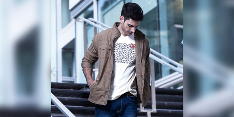 The Do's and Don'ts of wearing a V-neck t-shirt