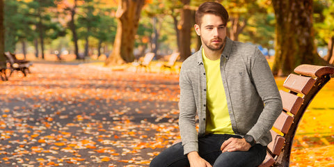 5 Cheerful ideas to style a yellow t-shirt