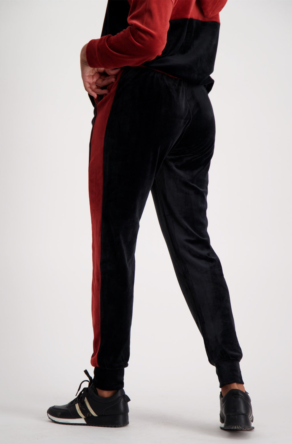Sheila Colour Block Velour Pant _ 119447 _ Black