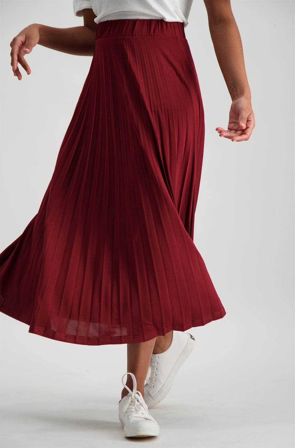 Laselle Pleated Skirt _ 120358 _ Burgundy