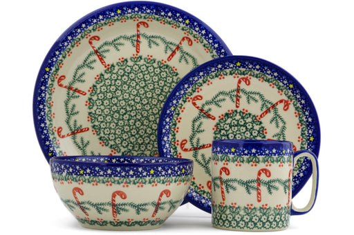 Polish Pottery place setting Candy Cane Wreath Theme
