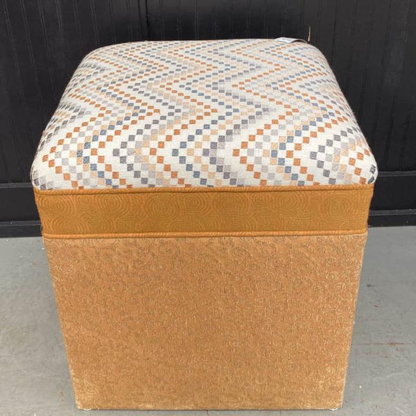CK Design Group Ottoman NEW - Kiss It Good Buy