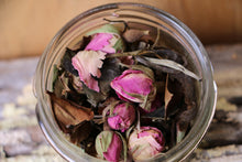 Load image into Gallery viewer, Organic White & Rose Bud Tea