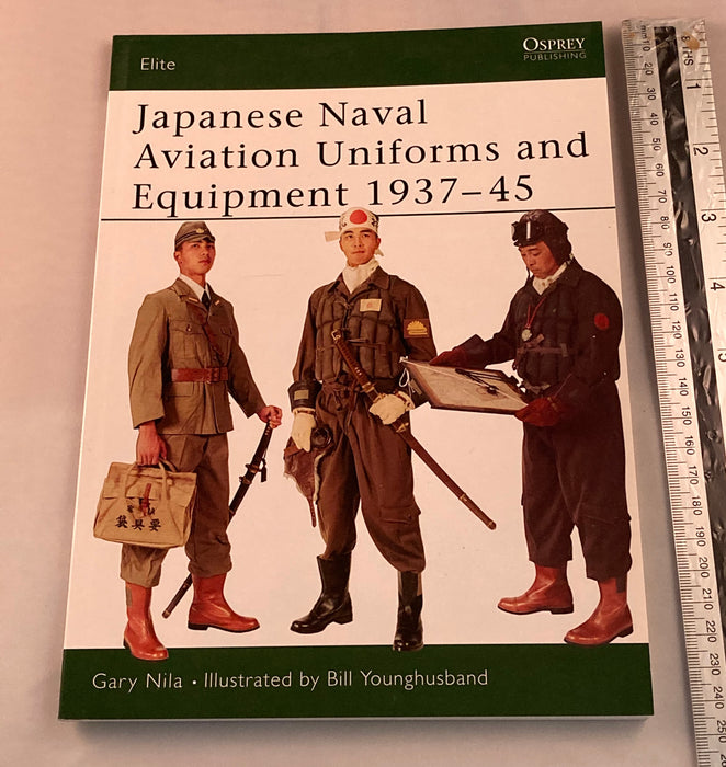 Japanese naval aviation uniforms . - Yamazakura