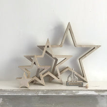 Load image into Gallery viewer, Wooden Set Of 4 Stars