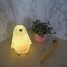 Load image into Gallery viewer, Mini LED Penguin Lamp