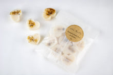 Load image into Gallery viewer, Frankincense, Oud & Myrrh Eco-friendly Coconut-Rapeseed Wax Melts