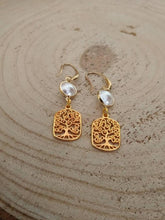 Load image into Gallery viewer, Tree of life pearl earrings