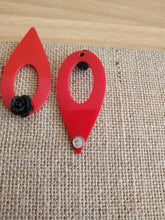 Load image into Gallery viewer, Red acetate teardrop flower posts