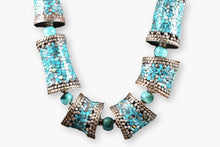 Load image into Gallery viewer, Turquoise Chip Barrel Bead Necklace