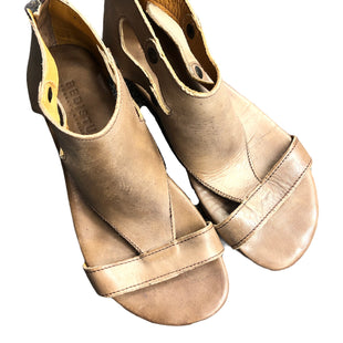 Primary Photo - BRAND: BED STU STYLE: SANDALS FLAT COLOR: BROWN SIZE: 8.5 SKU: 232-23280-51728