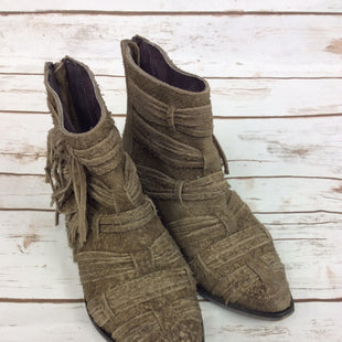 Primary Photo - BRAND: FREE PEOPLE STYLE: BOOTS ANKLE COLOR: TAN SIZE: 6 SKU: 232-23254-3505