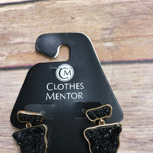 Primary Photo - BRAND:    CLOTHES MENTOR STYLE: EARRINGS SKU: 232-232118-5781
