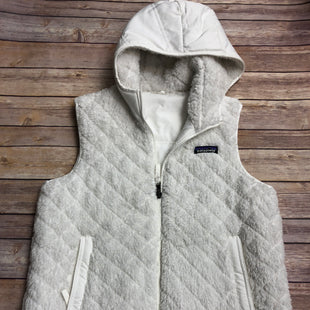 Primary Photo - BRAND: PATAGONIA STYLE: VEST FLEECE COLOR: WHITE SIZE: S SKU: 232-23212-23759