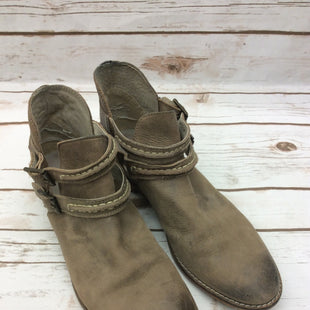 Primary Photo - BRAND: FREE PEOPLE STYLE: BOOTS ANKLE COLOR: TAN SIZE: 8 SKU: 232-232121-3975