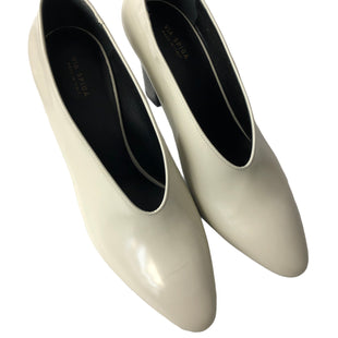 Primary Photo - BRAND: VIA SPIGA STYLE: SHOES HIGH HEEL COLOR: WHITE BLACK SIZE: 8 SKU: 232-23290-52910