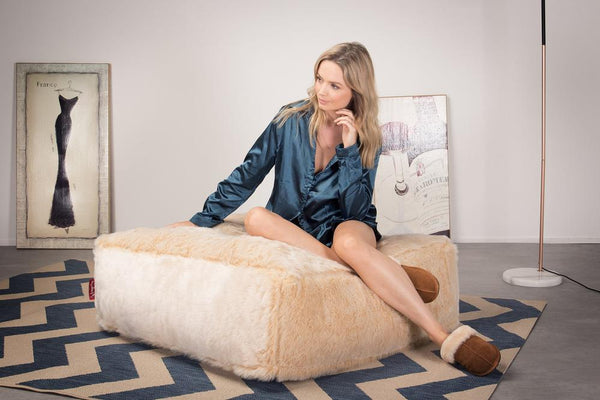 CloudSac-250-Memory-Foam-Ottoman-Pouf-Fluffy-Faux-Fur-White-Fox_2