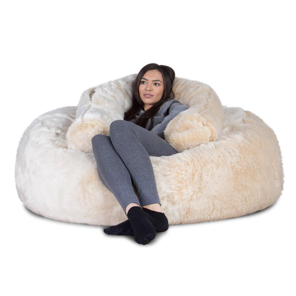 mammoth-fur-bean-bag-white-fox_3