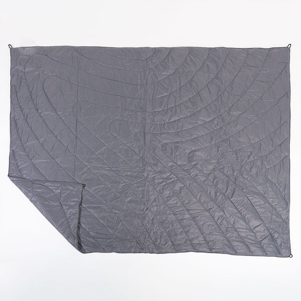 outdoor-puffy-blanket-grey_2