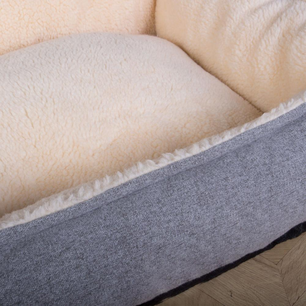 The-Nest-Orthopedic-Memory-Foam-Dog-Bed-Interalli-Lambswool-Silver_6