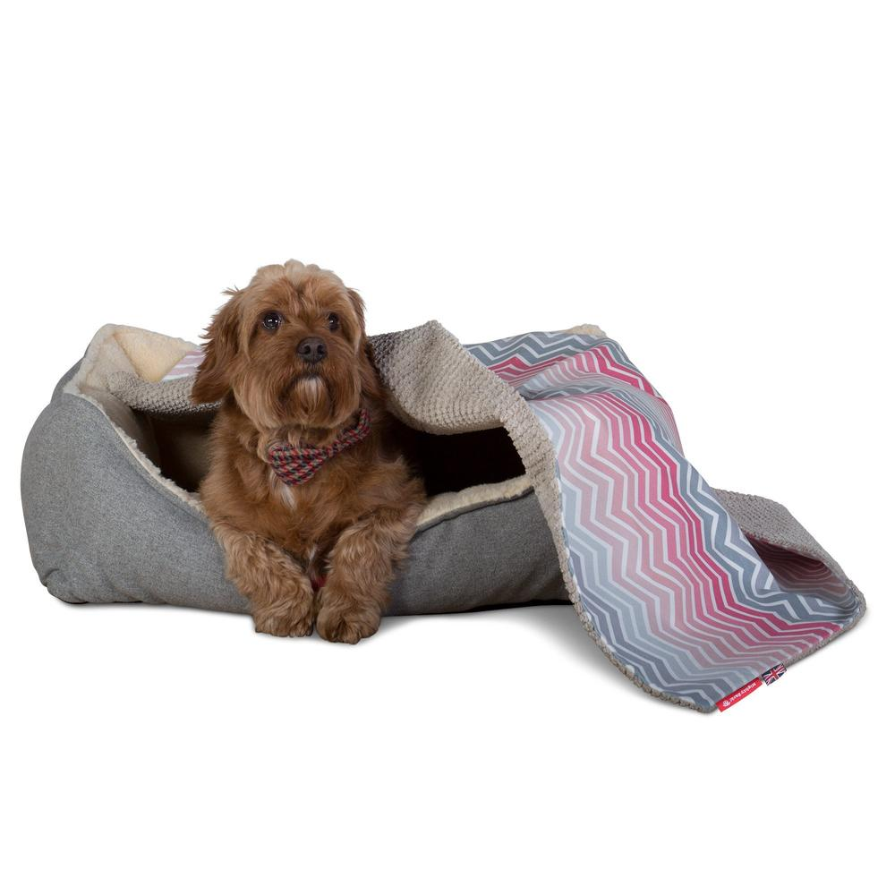 The-Blanket-Fleece-Pet-Blanket-For-Dogs-&-Cats-Geo-Print-Chevron-Pink_3