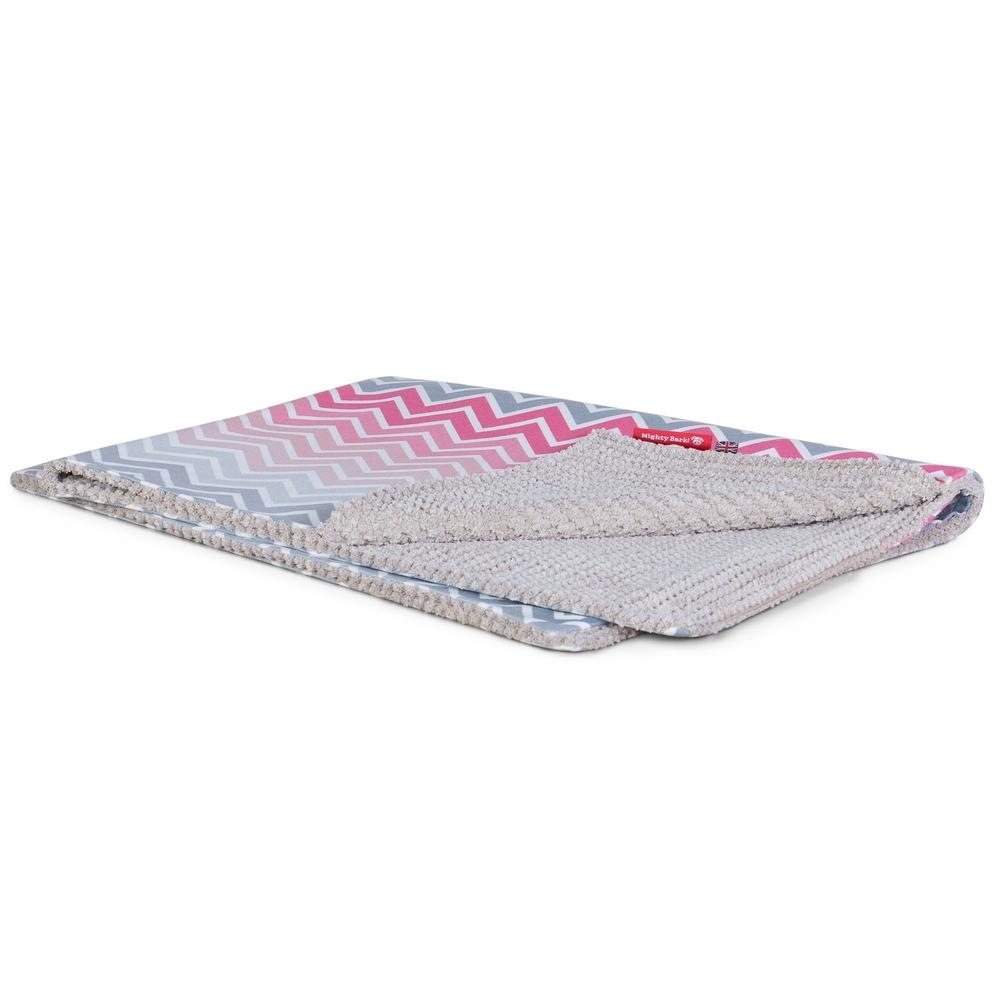 The-Blanket-Fleece-Pet-Blanket-For-Dogs-&-Cats-Geo-Print-Chevron-Pink_1