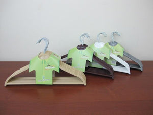 Wood-Look Plastic Clothes Hangers X6 - HouzeCart