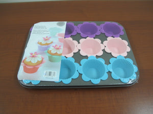 12 Serves Muffin Pan with Flower Silicone Cups - HouzeCart