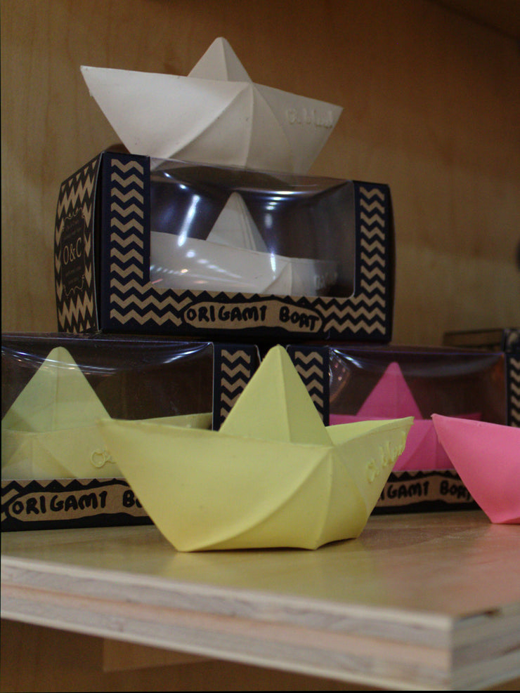 Badespielzeug Origami Boat in Vanille