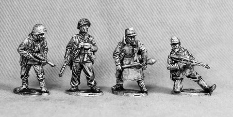 VG 4 \ Volks Grenadiers officers and NCO's