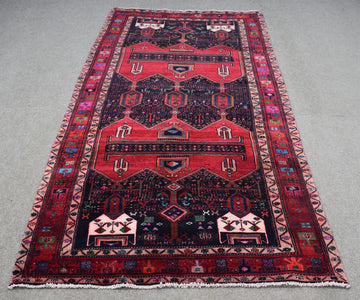 Hand Knotted Vintage Persian Shiraz Rug 155 x 322 cm