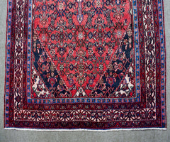 Hand Knotted Vintage Persian Shiraz Rug, 200 x 302 cm