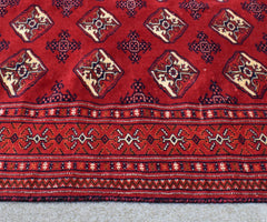 Hand Knotted Vintage Persian Shiraz Rug, 120 x 168 cm