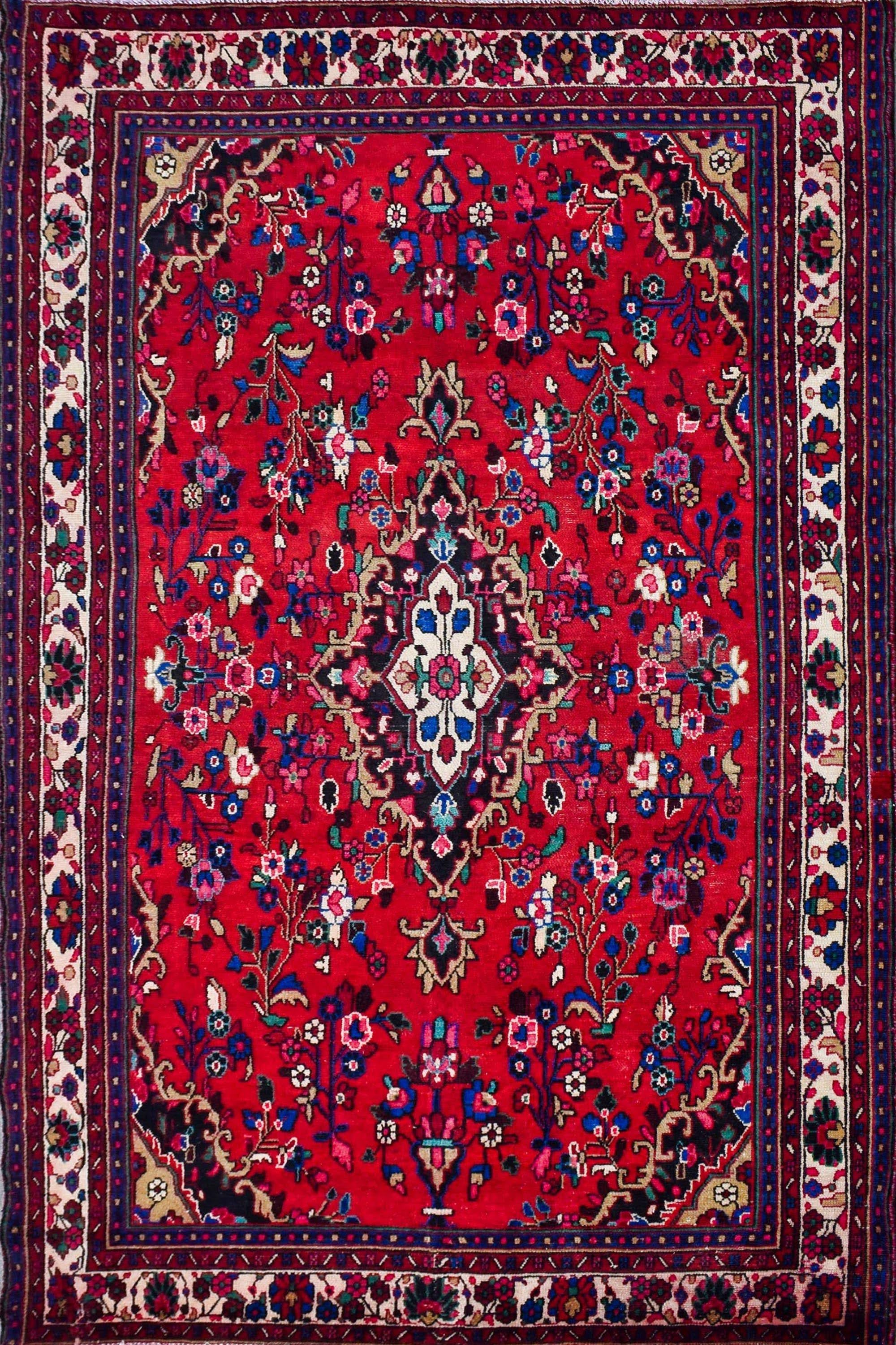 Hand Knotted Vintage Persian Shiraz Rug, 203 x 300 cm