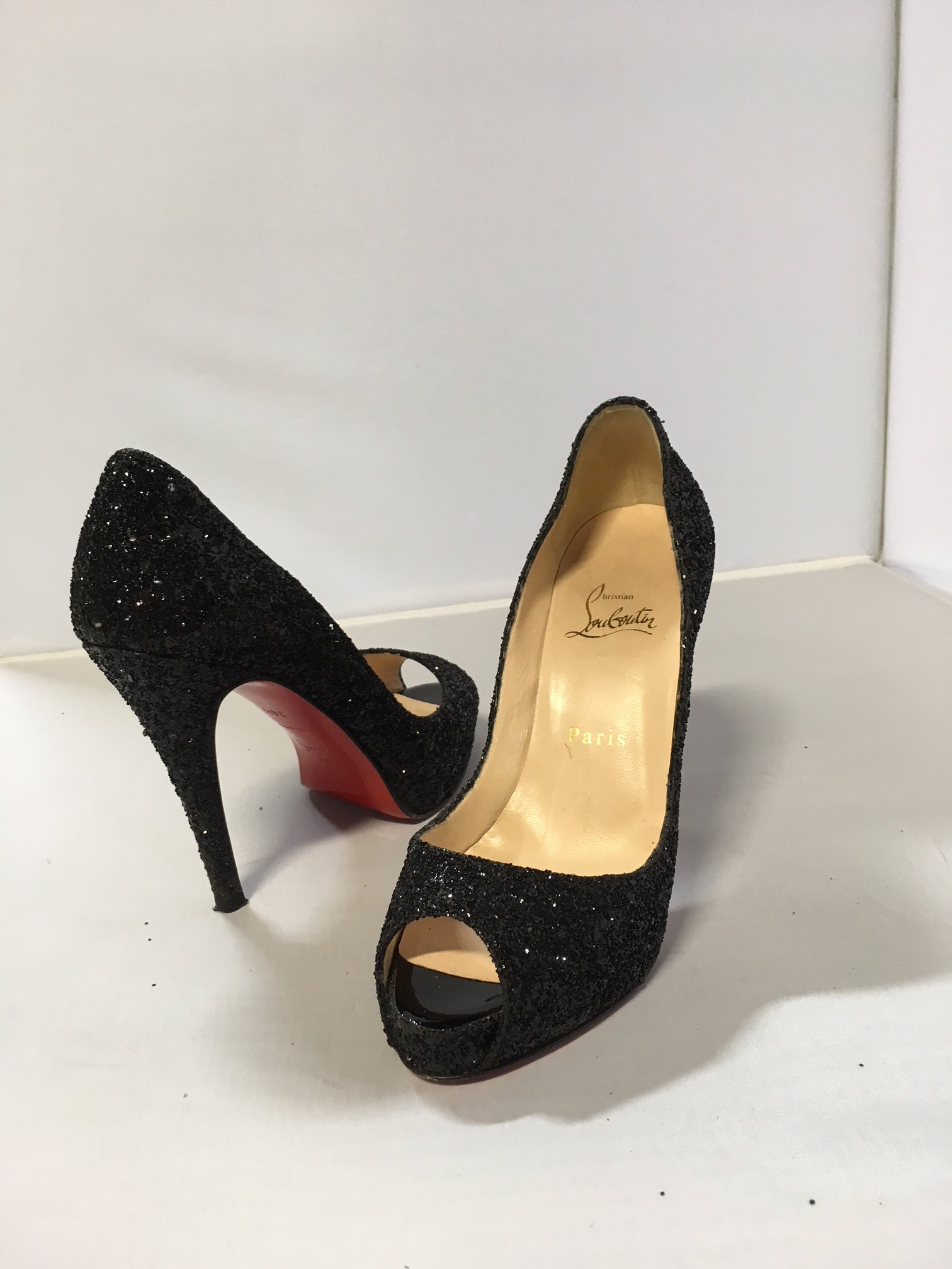 buy online 199ec f01c1 Christian Louboutin Black Sparkle Peep-Toe Pumps – The ...